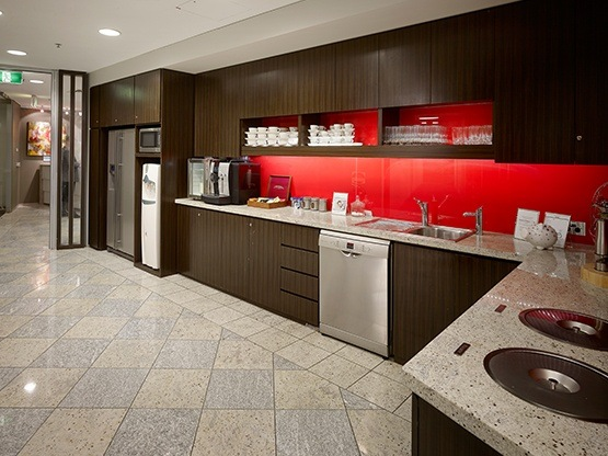 riverside-quay-southbank-kitchen-1-555x416.jpg