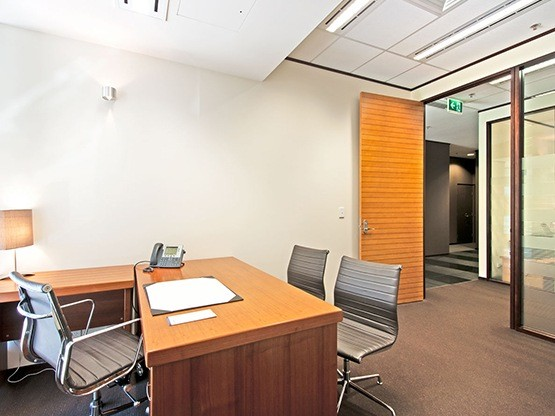 the-realm-office-1-555x416.jpg